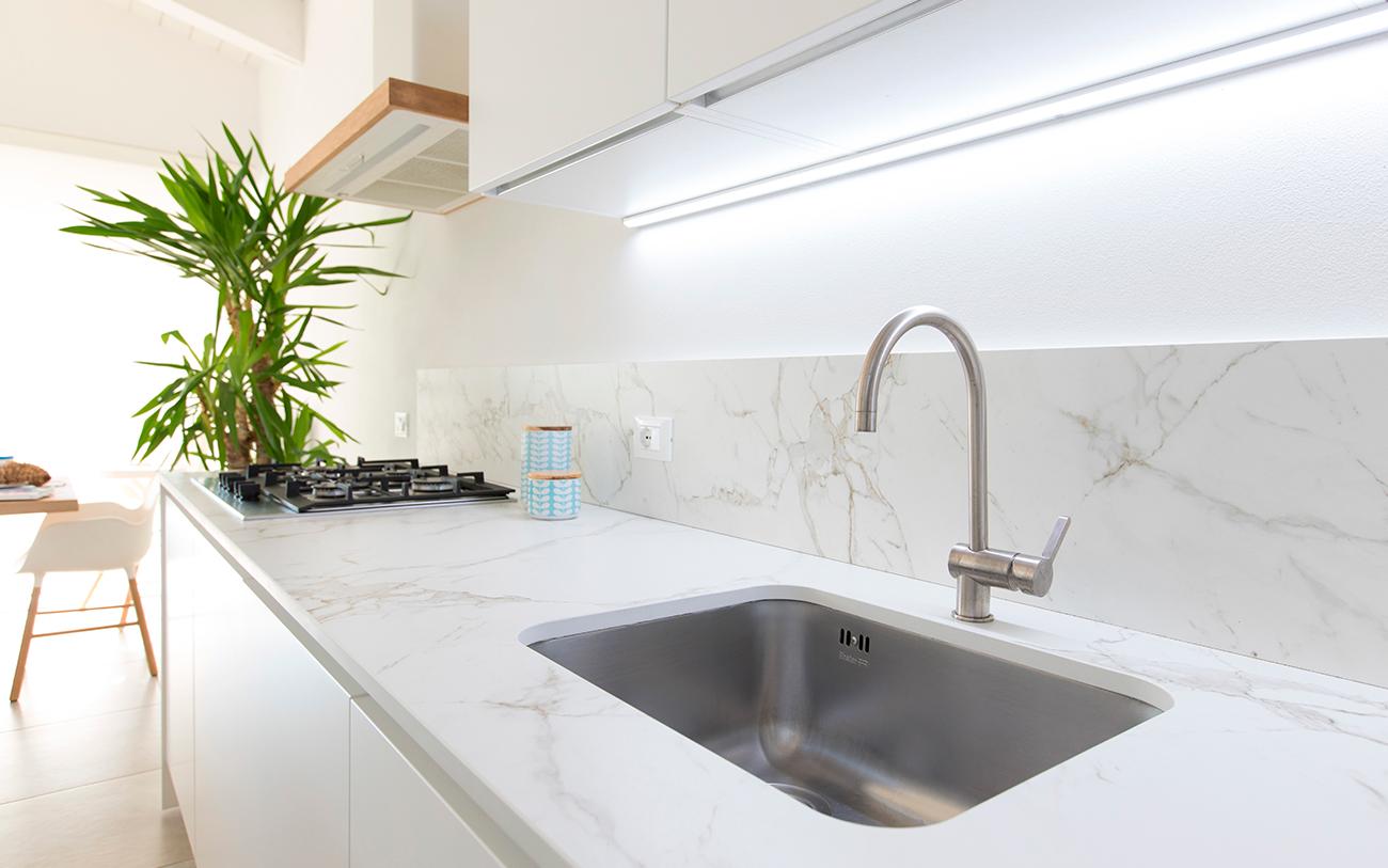 Cucina moderna bianca: la soluzione di sicuro successo - Pensarecasa