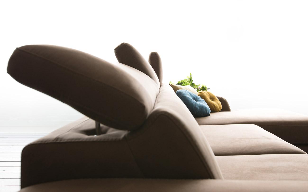 arredare prima casa - divano poggia testa