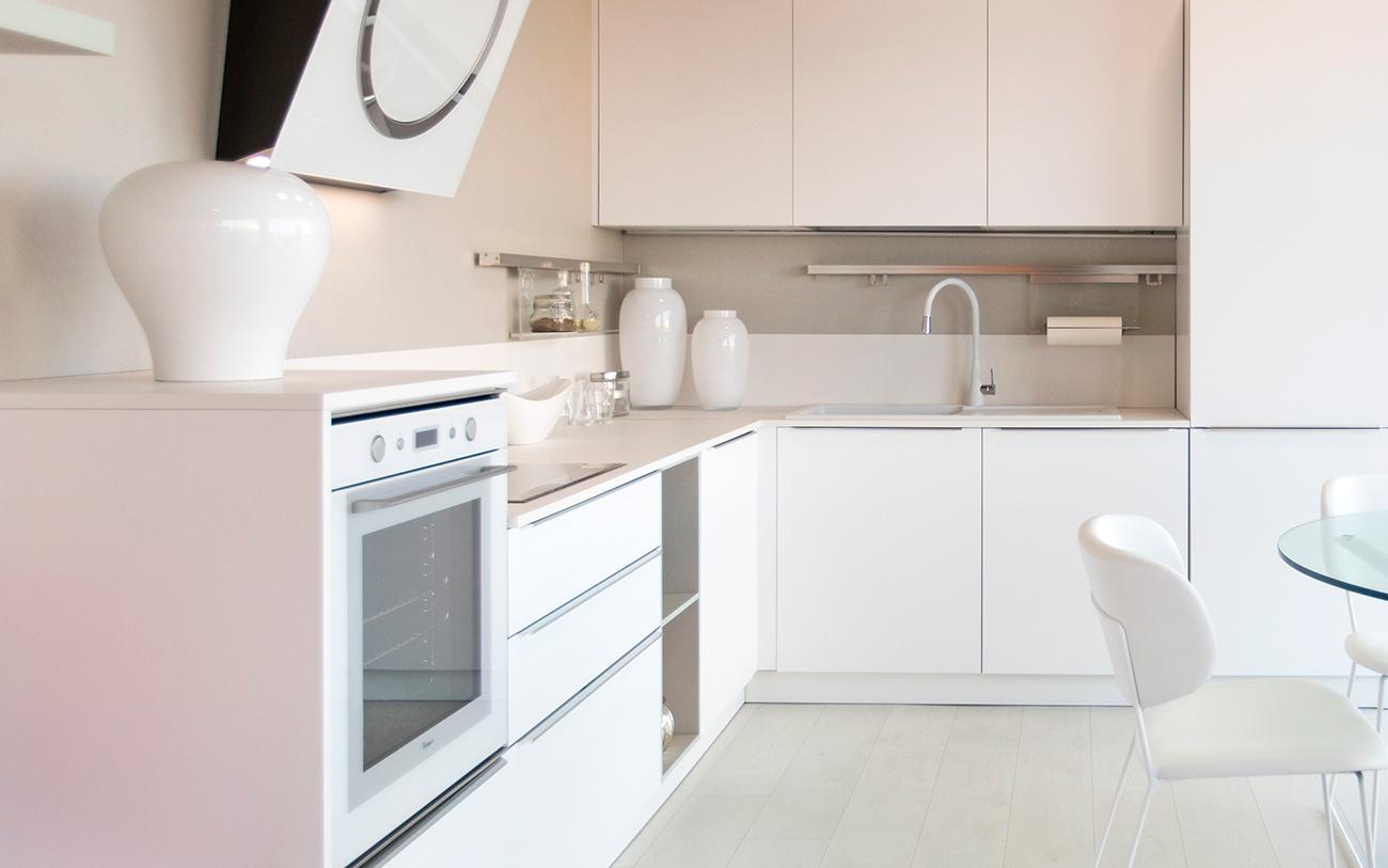 Cucina bianca moderna: la soluzione di sicuro successo - Pensarecasa
