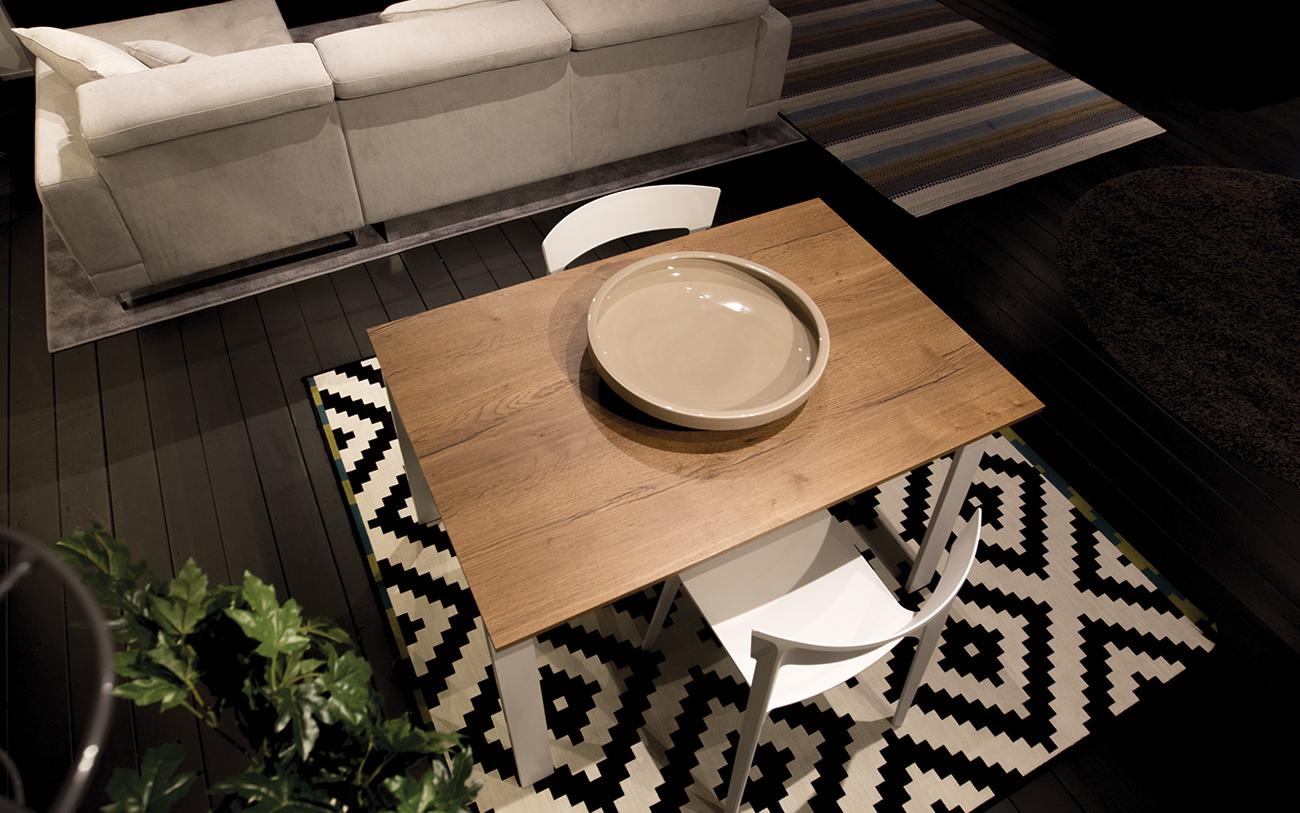 soggiorno piccolo - tavolo allungabile dall'alto