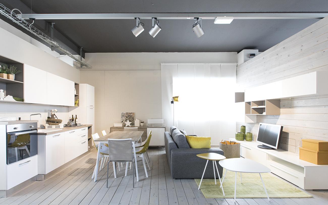 Arredare soggiorno piccolo cool come arredare soggiorno for Arredamento per piccoli ambienti