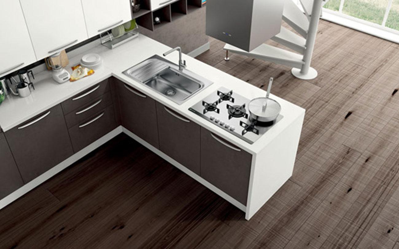 Cucina con penisola due stili a confronto pensarecasa - Blocco lavello cucina ...