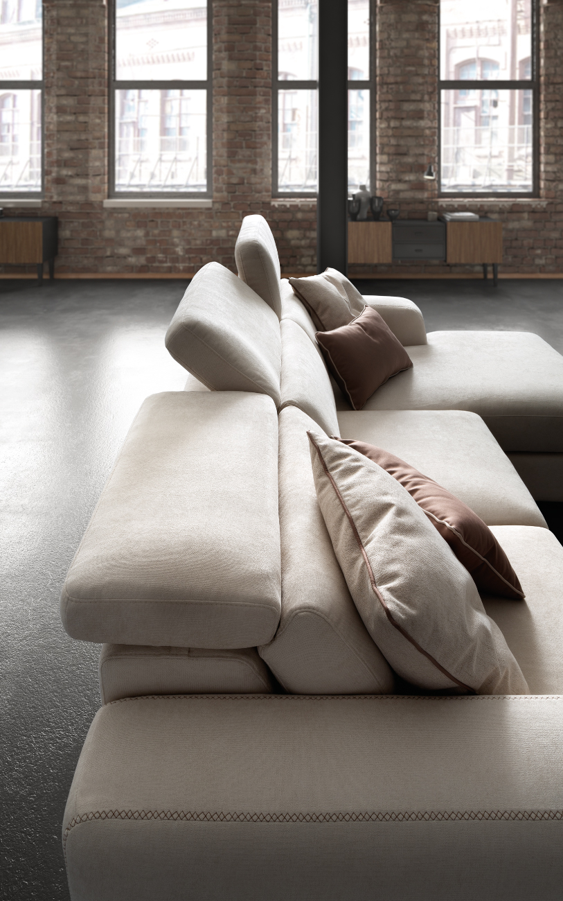 GRAFFITI divano in tessuto 3 posti chaise longue particolare2