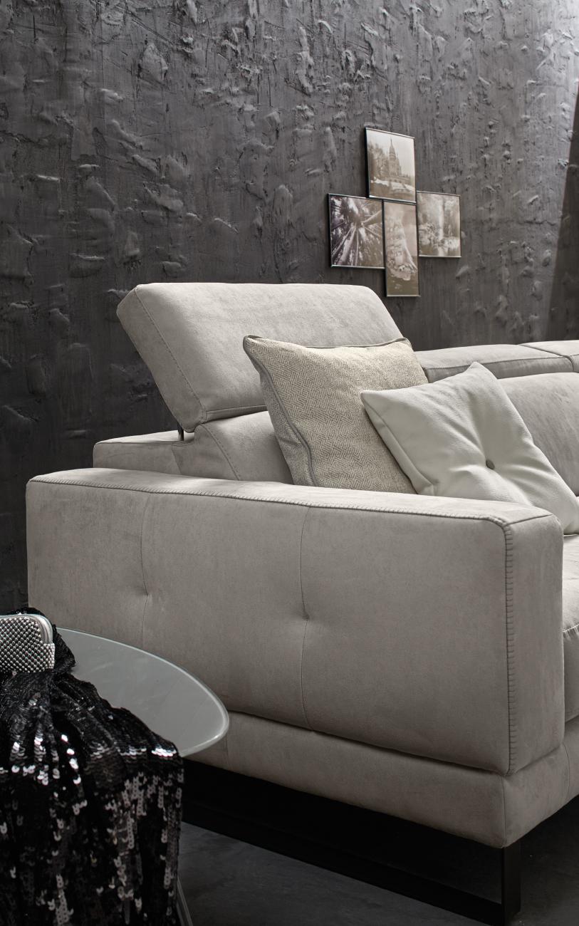 RICCARDO divano in similpelle chaise longue particolare3