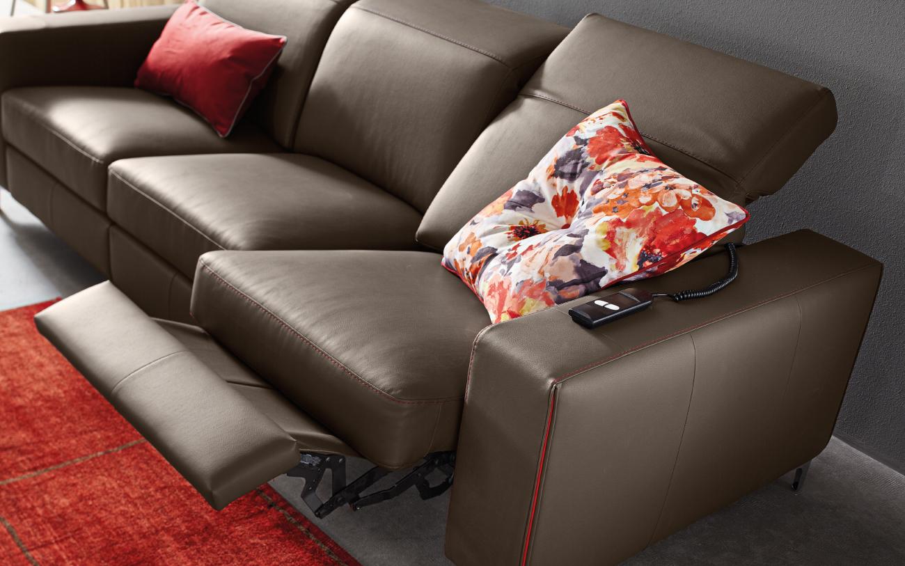 TREVOR divano in pelle 3 posti meccanismo relax particolare3