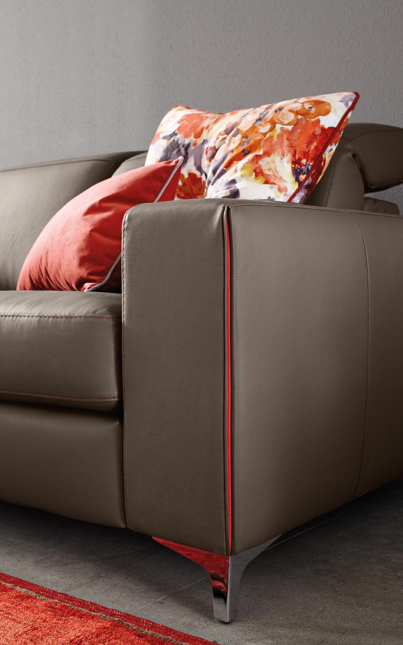TREVOR divano in pelle 2 posto particolare2